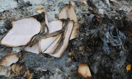 L'histoire de la destruction des livres de l'Antiquité jusqu'à nous…